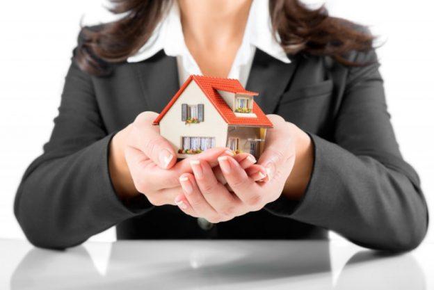 Boligadvokat kan hjælpe dig med at få styr på handlen, når du køber sommerhus